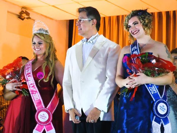 Amanda Santana e Mariana Erthal são homenageadas na premiação (Foto: Divulgação/MPSC)