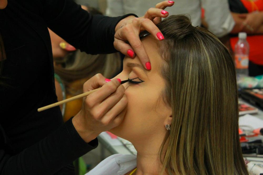 Modelos famosas, como Alessandra Linder, recebem um valor maior de cachê (Foto: Henrique Mathias)