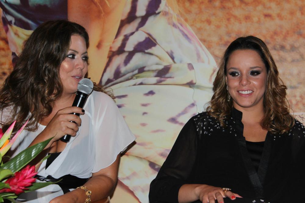 Fluvia Lacerda e Mariana Gandolfo anunciam que a coleção será comercializada no Brasil e no exterior (Foto: Amanda Pinson)