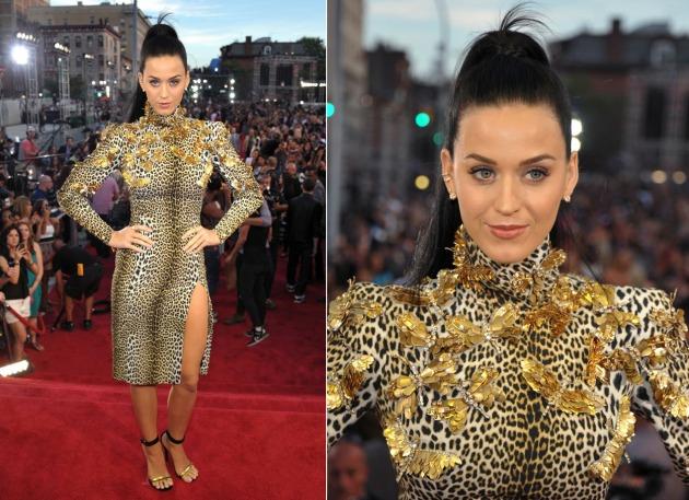 Katy Perry com animal print Emanuel Ungaro